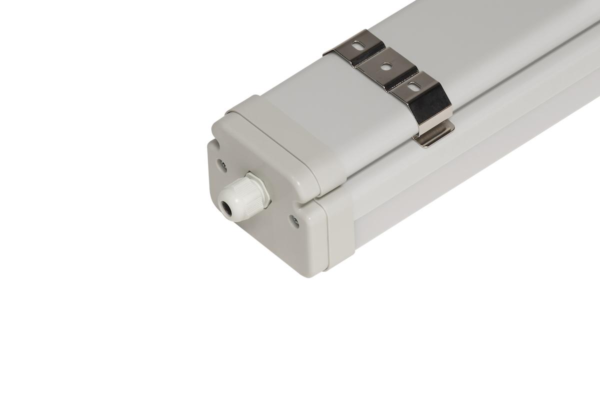 Светильник CSVT SLIM TUBE 76Вт IP67 2470x83x70мм